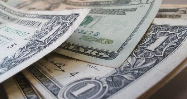 bons-plans-pour-retirer-dollars-changer-euros