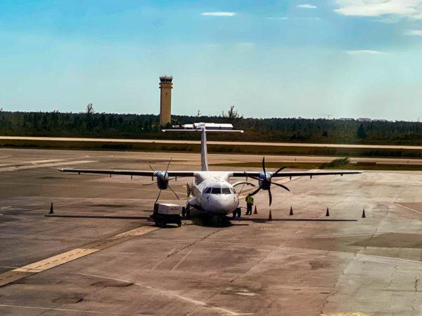 nassau bahamas avion
