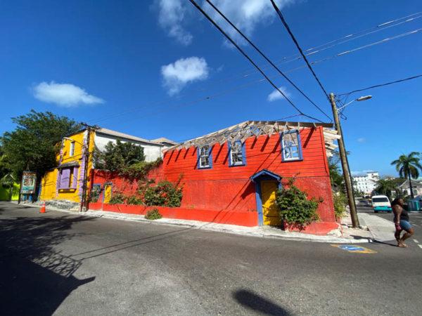 nassau bahamas maisons colorées