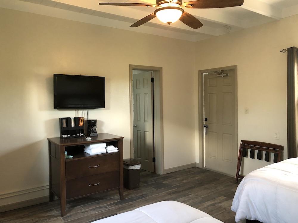 pelican-rv-resort-and-motel-marathon