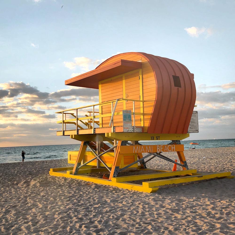 cabanes-sauveteurs-miami-beach